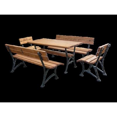 Stół ogrodowy z krzesłami i ławkami